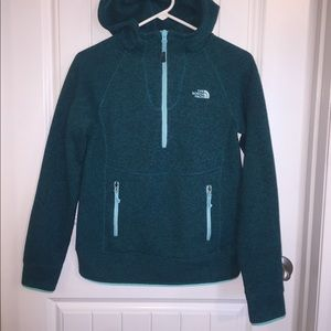 North Face 1/2 zip fleece hoodie